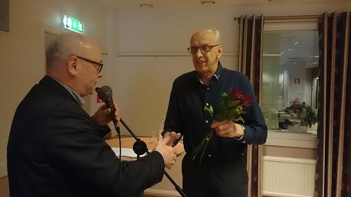 Rune Aldeborg avtackades av Thomas Strand efter m�nga �r som revisor